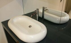 En CORIAN Cameo White, finition individuelle.